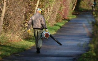 Tips For Buying the Best Lightweight Leaf Blower