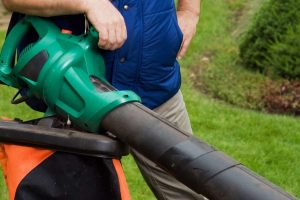 What are the Different Types of Leaf Blowers?