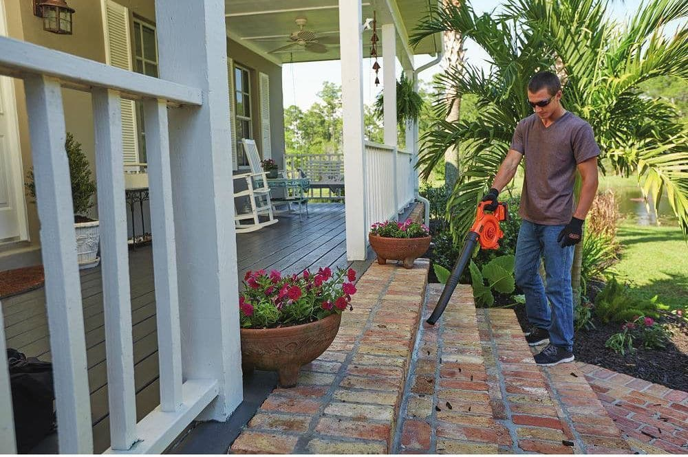 Choosing the Best Battery-Operated Leaf Blower